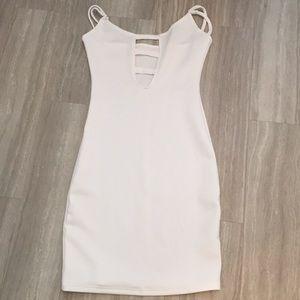 Dresses & Skirts - White body con dress small